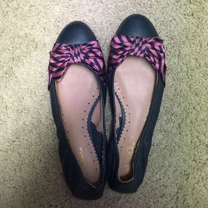 Brooks Brothers navy leather flats with bow size 7